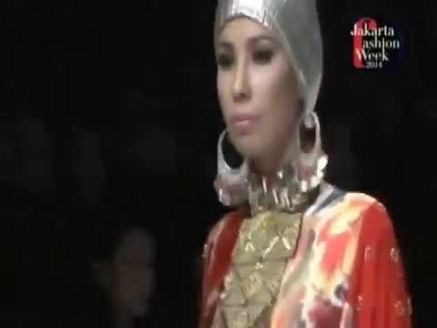 MOSLEMWEAR DESIGNERS ITANG YUNASZ, RONALD V GAGHANA, DEDEN SISWANTO Jakarta Fashion Week 2014 by Fas