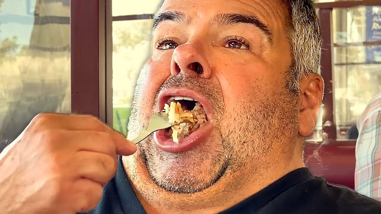 """Big ED Destroys """"Worlds BIGGEST Burger"""" Like He Does His Relationships"""