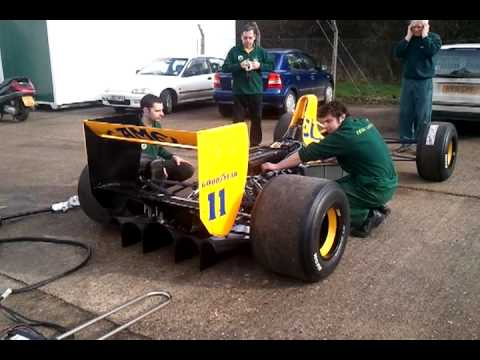 Classic Team Lotus start Camel Team Lotus type 102