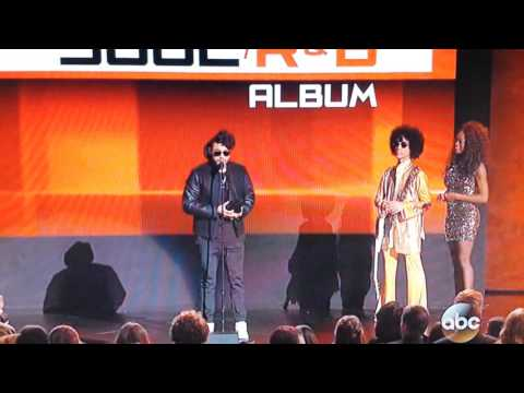Prince Presents at the American Music Awards