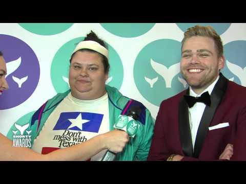 Christine Sydelko & Elijah Daniel's Teal Carpet Interview at the Shorty Awards