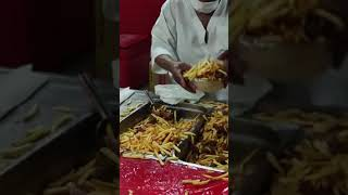 THE FAMOUS FRIES OF MARSHAL HE…