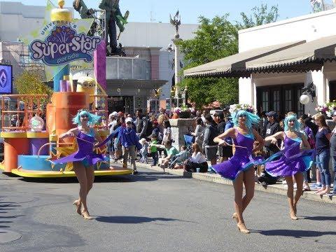 Universal's Superstar Parade (Full Experience) - Minions Despicable Me, SpongeBob, Dora & Hop
