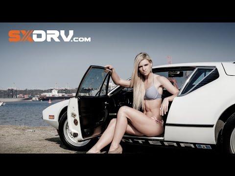 SXdrv – Kirsten Allnutt – DeTomaso Pantera – Sexy fitness model and some Italian flair