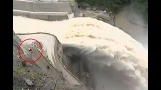 Tránsito vehicular hacia Ituango es al borde del vertedero de la hidroeléctrica
