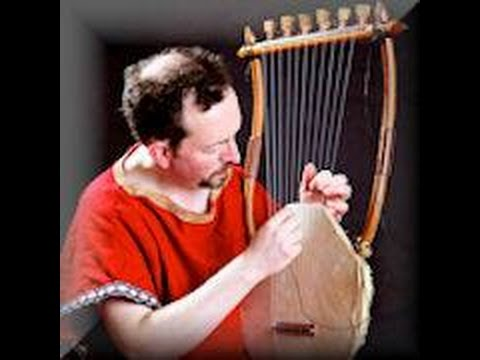 how to play the lyre