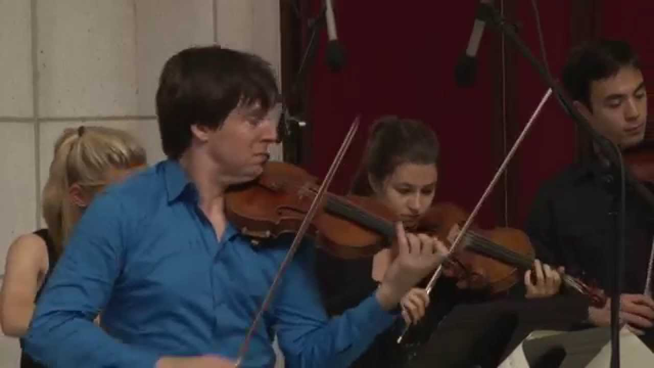 professional violinist plays in subway