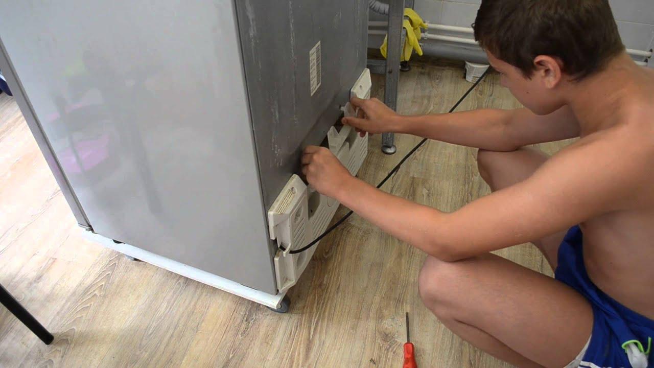 Самостоятельная замена уплотнительной резины на двери холодильника .