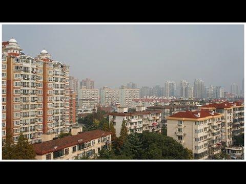 walking in Shanghai ( China )