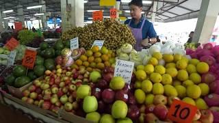 Тайланд Паттайя Рынок фруктов и морепродуктов на Ват Бун для тайцев