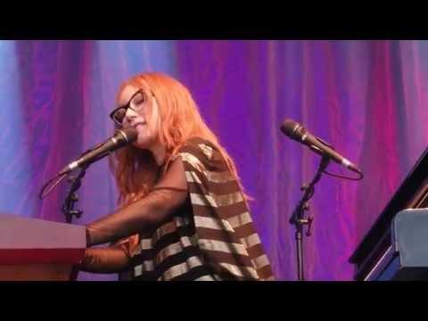 Cruel / Sweet Sangria / Unrepentant Geraldines mashup - Tori Amos - Barcelona - May 30th, 2015
