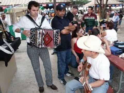 Conjunto San Antonio - They call me a Playboy