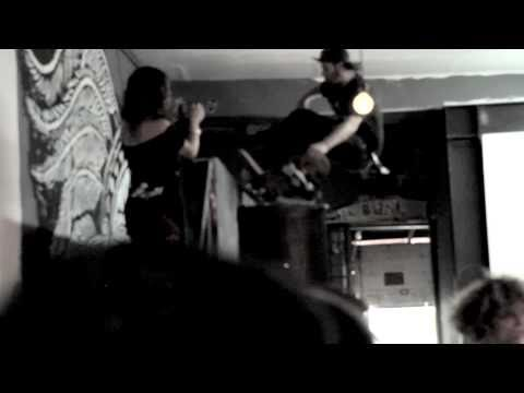 "OFF! -  ""Upside Down"" (Live - 2010) VICE Records"
