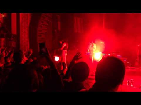 Phantogram - Fall in Love @Riviera Theatre, Chicago April 10, 2014