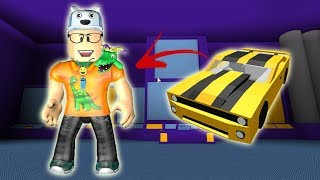 ROBLOX: THE OLD MAN TURNED INTO A ROBOT THAT TURNS INTO A CAR! -Play Old man