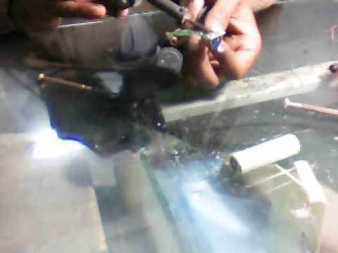 how to replace the battery of trimmer youtube. Black Bedroom Furniture Sets. Home Design Ideas