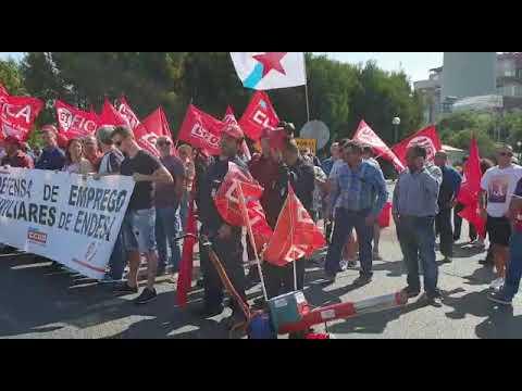 Trabajadores de las auxiliares de Endesa en As Pontes secundan un paro