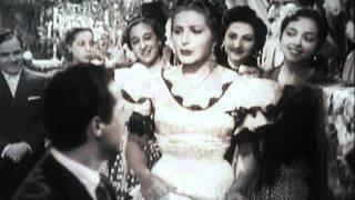 Capote de grana y oro (Juanita Reina)