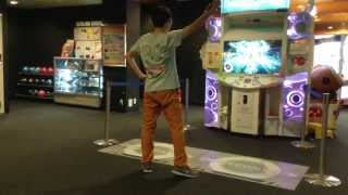 [MUST SEE!] Dance Evolution Arcade - Otaku killing it. @ Round1