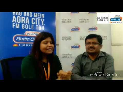 Agra RTO Anil Kumar with RJ Pratibha