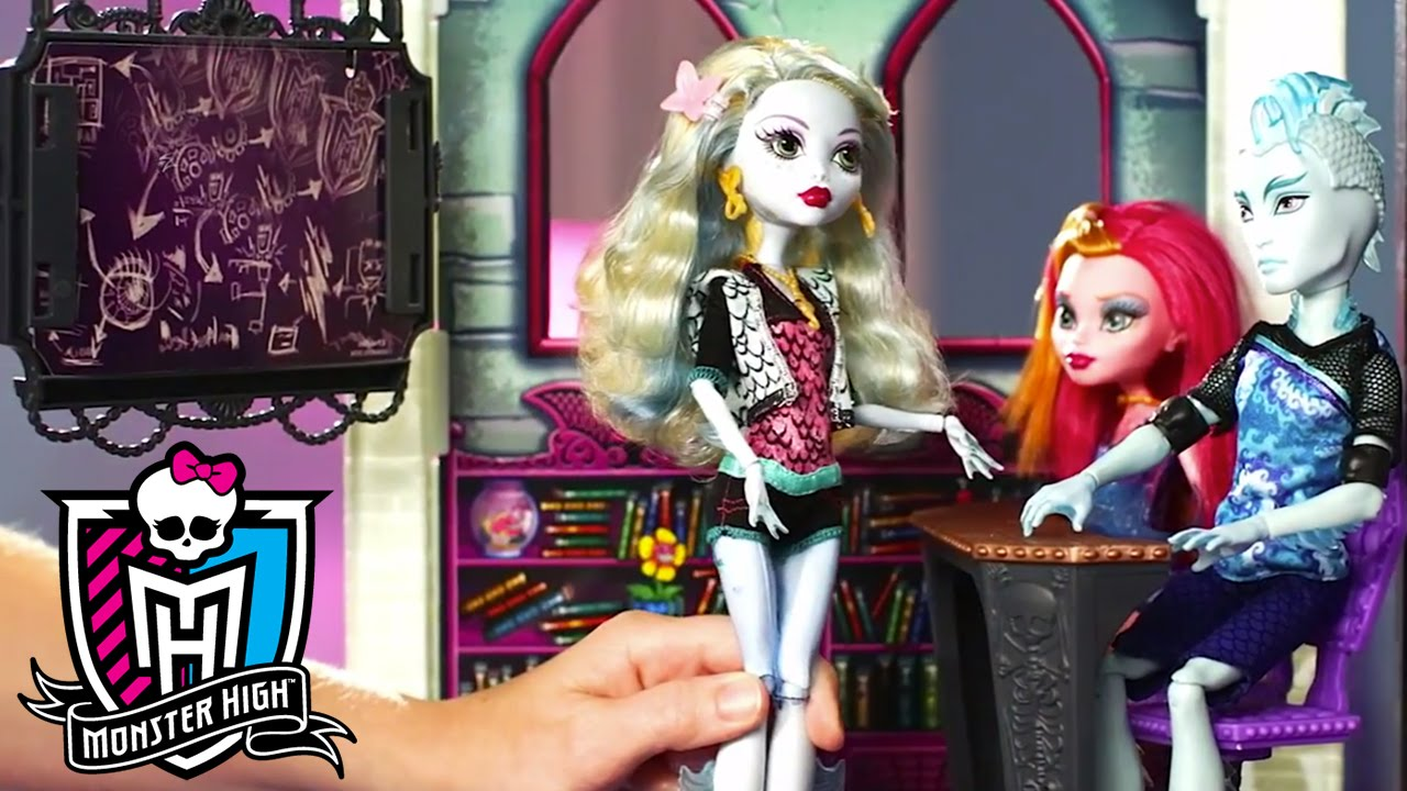 How to assemble the high school playset monster high - Monster high youtube ...