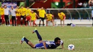 Pinalti Gagal Lucu / Funny Penalty Slip Fail / Funny Football Penalty / Most Stupid Goal Keeper