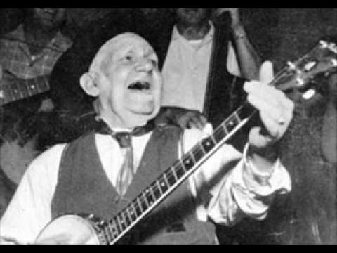 Uncle Dave Macon-Rabbit In The Pea Patch 1927