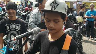 Live Akustik Musisi Jalanan Malang. Request Merapat!