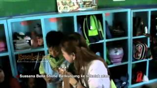 Kunjungi Sekolah Alam, Bella Shofie Dekat Dengan Anak-Anak