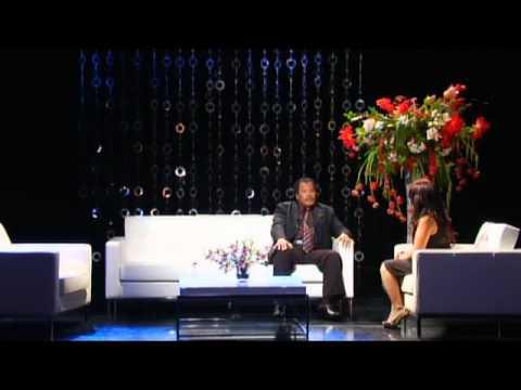 """Lam Thuy Van Show - CHu De """" Nguoi 2 Dong Mau """" Part 2"""