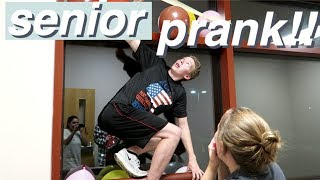 VLOG Epic Senior Prank 2018! Crickets, TP, Balloons + More