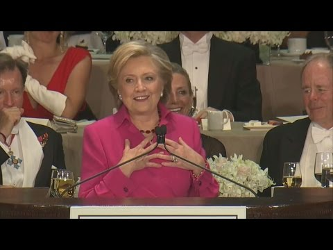 Clinton Takes a Break From 'Nap Schedule' to Roast Trump