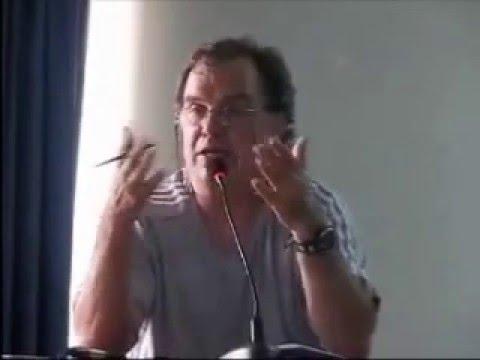 Marcelo Bielsa hablando de filosofía, estilos de juego y táctica (2010)