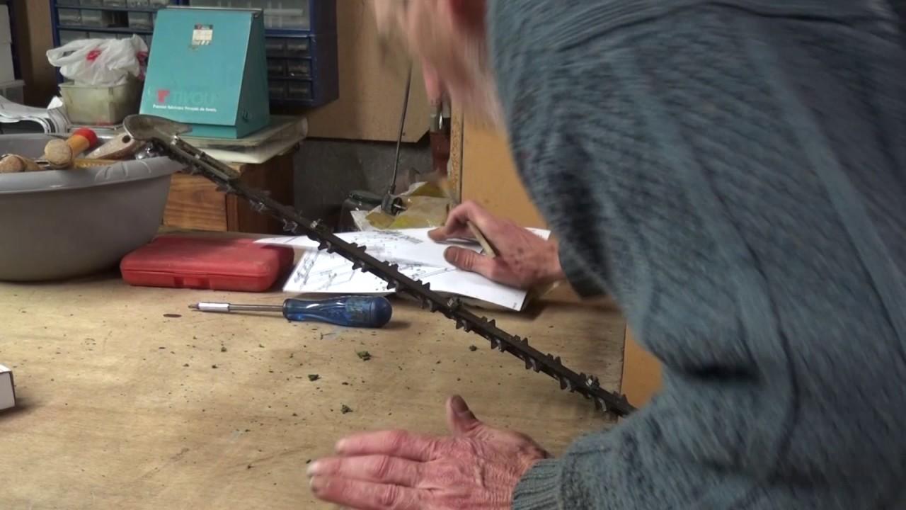 Par philordi remplacement des couteaux sur taille haie for Taille haie a batterie stihl