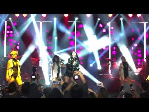 Hande Yener - Vay (24.02.2018 MOİ Sahne Konseri)