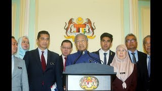 No more selling of contracts, APs, licences, says Dr Mahathir