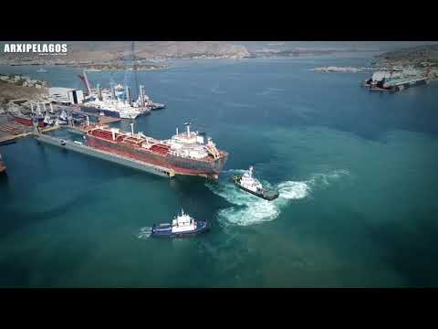 New Hellenic Shipyards Spanopoulos: Dry docking a 36.320 dwt Oil Tanker