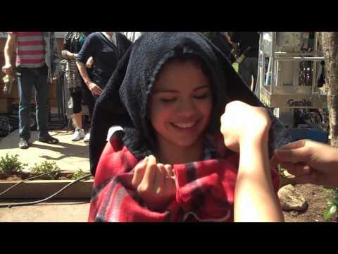 Ramona & Beezus Behind the Scenes with Joey King & Selena Gomez poster