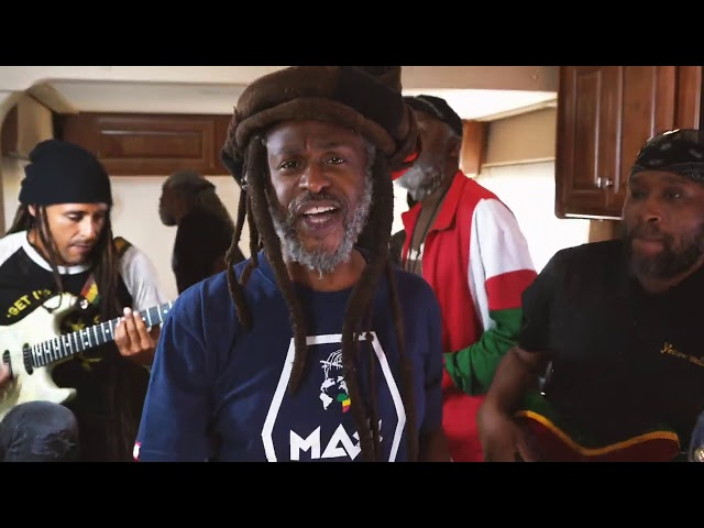 Steel Pulse - Black and White Oppressors (OFFICIAL VIDEO)