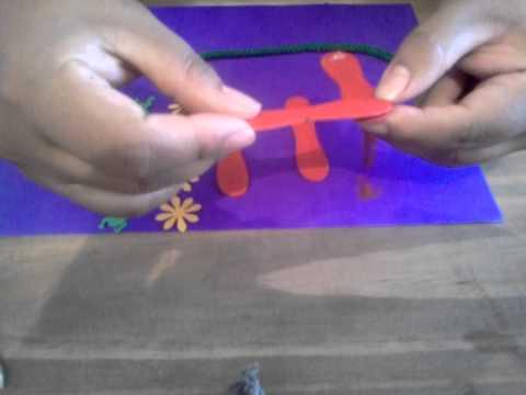 Manualidades infantiles mini portaretrato con palitos de - Manualidades con madera ...