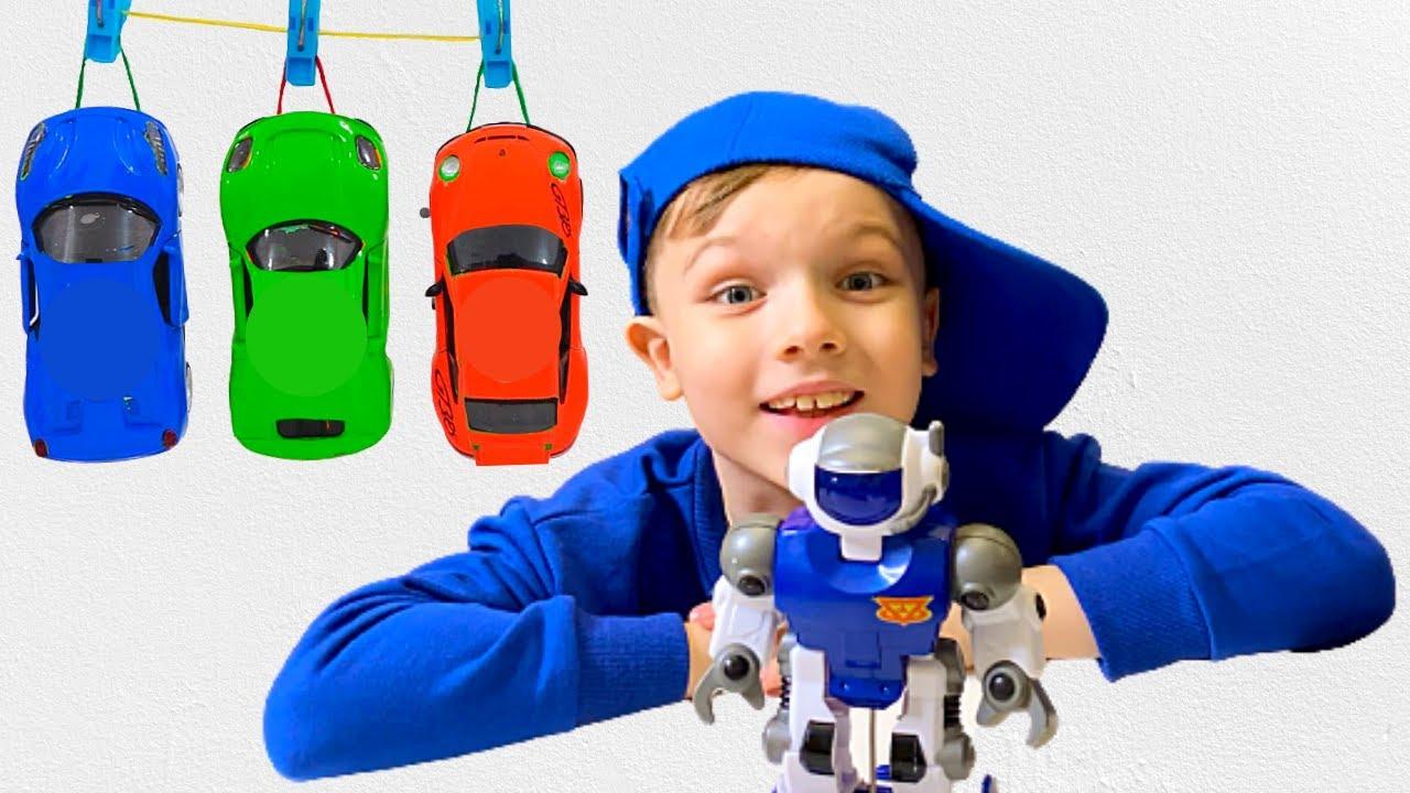 Андрей играет с игрушками для детей - play Toy Cars and have fun