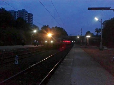 Morning Bird Malabar Express proclaims arrival @ Tiruvalla