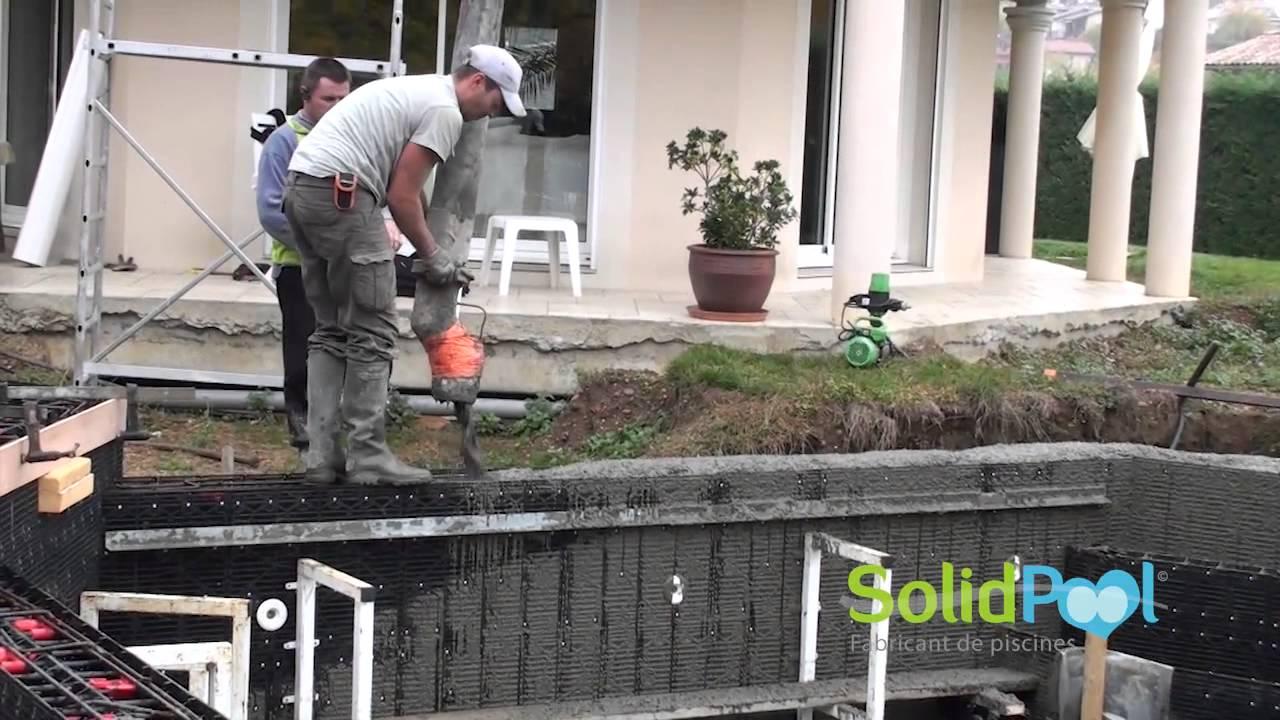 Superbe #construction #piscine : Coulage Du0027une Piscine En SolidPOOL Carrelage