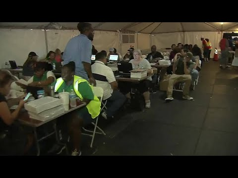 Massive lines for Irma food program recipients