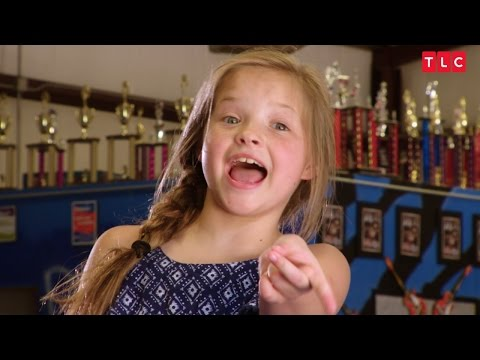 Hillary Clinton is Qualified to be President, Says Hallee | Toddlers and Tiaras