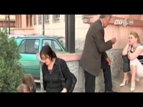 VTC14_Australia: Trả tiền cafe bằng một nụ hôn