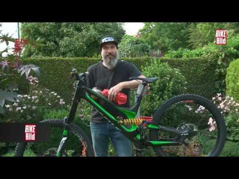 die richtige fahrrad pflege wie erhalte ich den wert meines bikes youtube. Black Bedroom Furniture Sets. Home Design Ideas