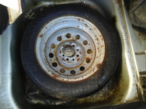 Дополнительное место в багажнике ВАЗ 2110, 2111, 2112, ЛАДА ПРИОРА. Переносим запаску.