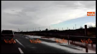 Maltempo in Puglia, allagata la strada statale 16 nel Brindisino