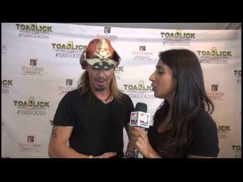 Natasha Interviews Bret Michaels-Toadlick 2015 - YouTube